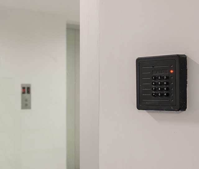 How to Choose the Best Access System for a Commercial Building?